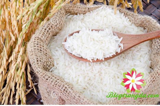 cách làm trắng da bằng bột gạo