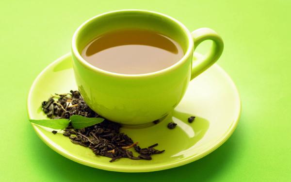 Làm da trắng hồng tự nhiên với mặt nạ trà xanh