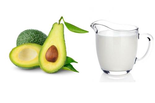Mặt nạ dưỡng da bơ - sữa tươi giúp da bạn căng mịn và trắng hơn rõ rệt.