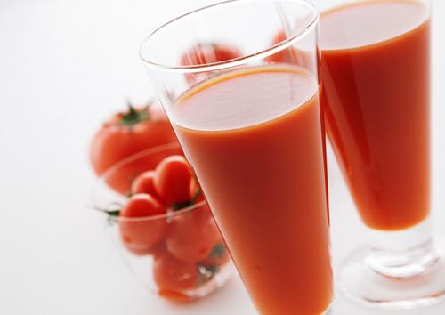 Cà chua chống lão hoá và giảm nếp nhăn cho làn da