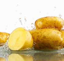 Bất ngờ với cách làm trắng da mặt bằng khoai tây