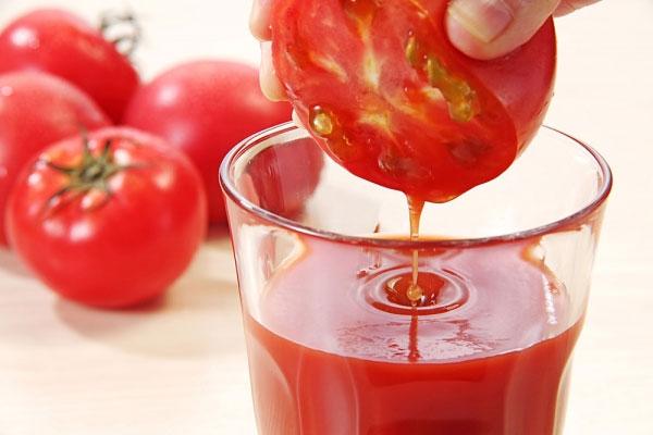 Khám phá cách làm da trắng hồng với cà chua