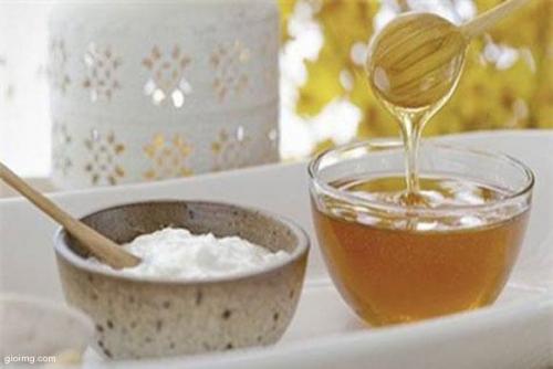Cách làm trắng da toàn thân bằng Sữa tươi và mật ong
