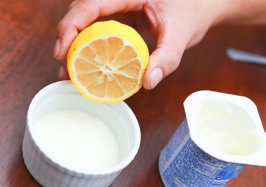 cách làm trắng da mặt tại nhà bằng sữa chua + nước cam/chanh