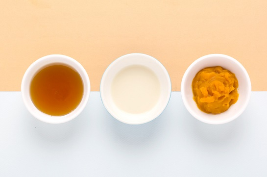 cách làm trắng da mặt bằng bí đỏ + mật ong + sữa tươi