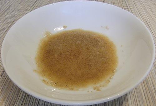 3 cách trị mụn đầu đen nhanh và hiệu quả nhất tại nhà bằng mật ong và đường nâu
