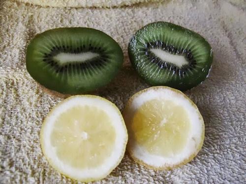 cách làm trắng da mặt tự nhiên nhanh nhất từ Kiwi
