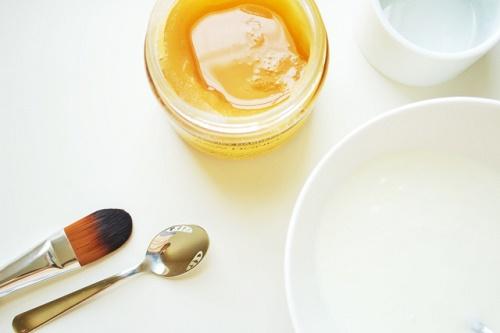 cách trị mụn trứng cá bằng sữa chua
