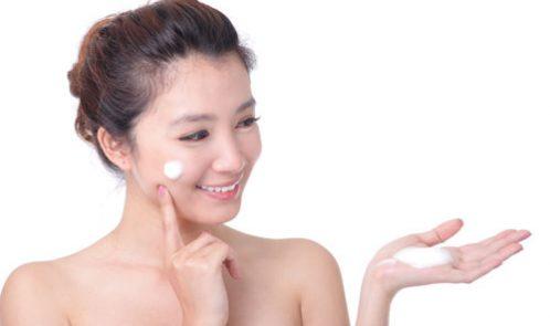 Kem dưỡng trắng da mặt nào tốt nhất cho cả da nhạy cảm?