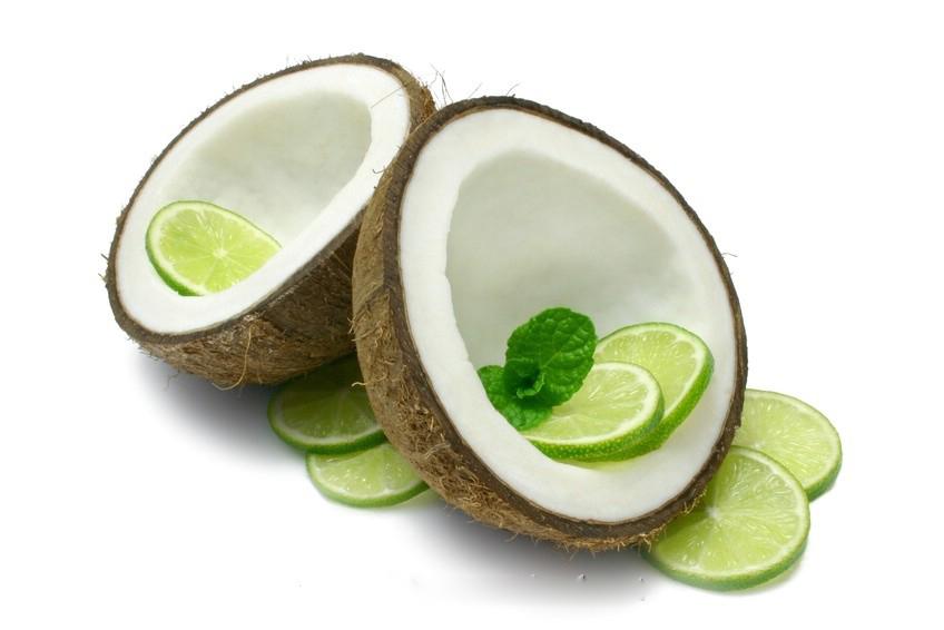 Dầu dừa với nước cốt chanh tươi vừa dưỡng trắng da, vừa tẩy tế bào chết hiệu quả