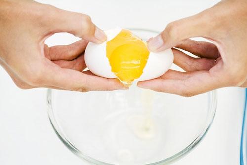 Image result for Cách làm da căng mịn từ lòng trắng trứng gà