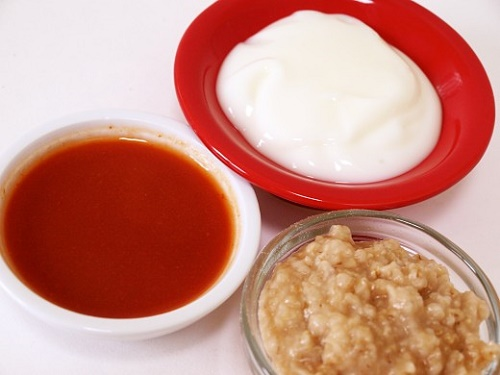 cách làm trắng da mắt cấp tốc từ cà chua, sữa chua và bột yến mạch