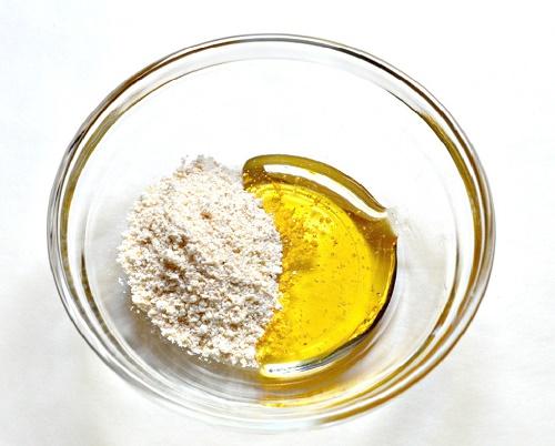 mịn da sạch mụn với cách trị mụn trứng cá bằng yến mạch và mật ong