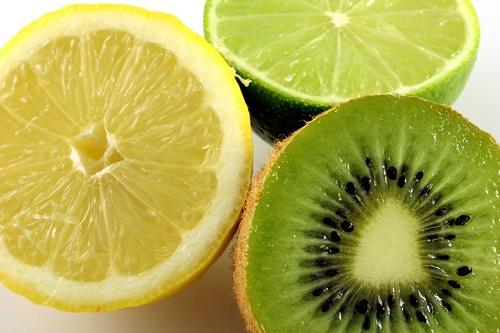 bỏ túi 4 cách làm trắng da mặt từ Kiwi cực hiệu quả