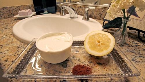 cách làm trắng da mặt đơn giản tại nhà từ Bột Cà Phê & sữa chua