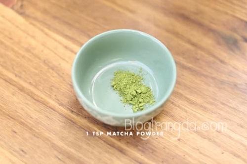 cách trị mụn trứng cá đơn giản hiệu quả từ bột trà xanh