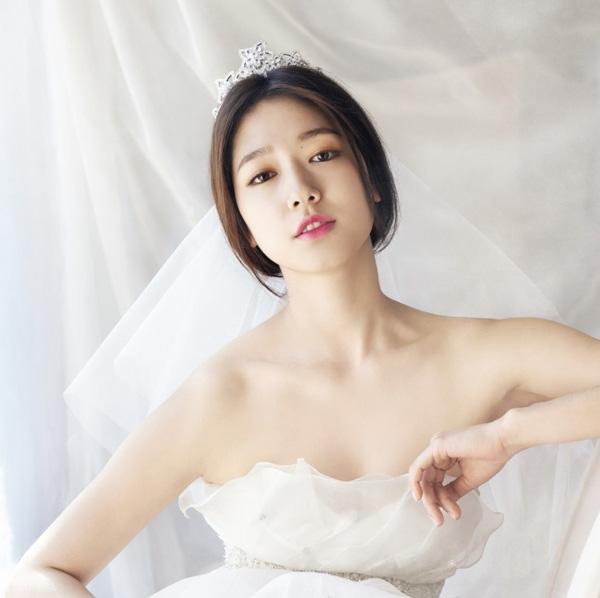 Điểm danh một số phong cách trang điểm cô dâu xinh đẹp cho mùa cưới 2017