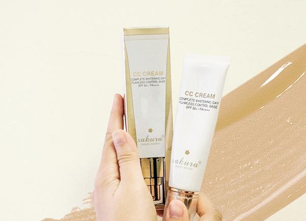 Muốn an tâm, xem ngay đánh giá Sakura CC Cream tại Blogtrangda